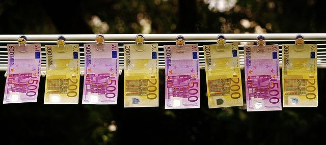 Source Pixabay_money-1520866_640